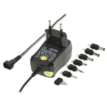 Hálózati adapter, többféle feszültséggel és cserélhető csatlakozókkal