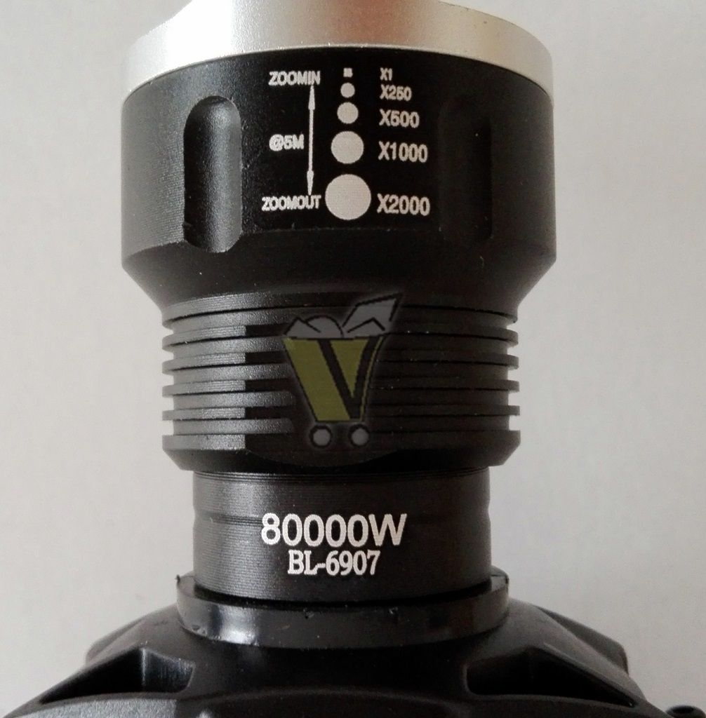 Akkumulátoros fejlámpa BL6907