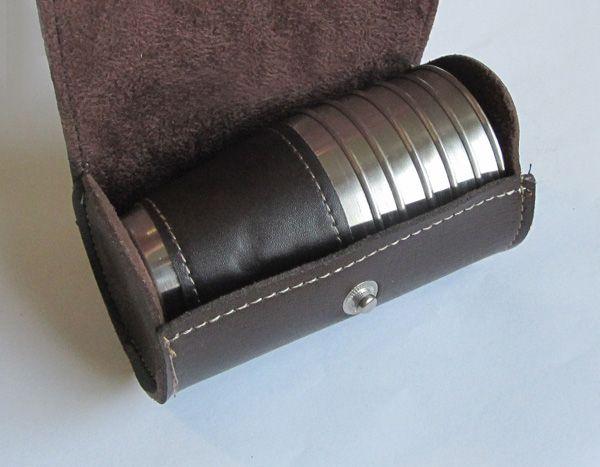 Fém pálinkás pohárkészlet övre rakható műbőr tokban